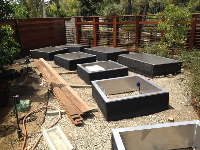 Google Beverly Hills stainless steel planters/beverly hillsrs-beverly-hills